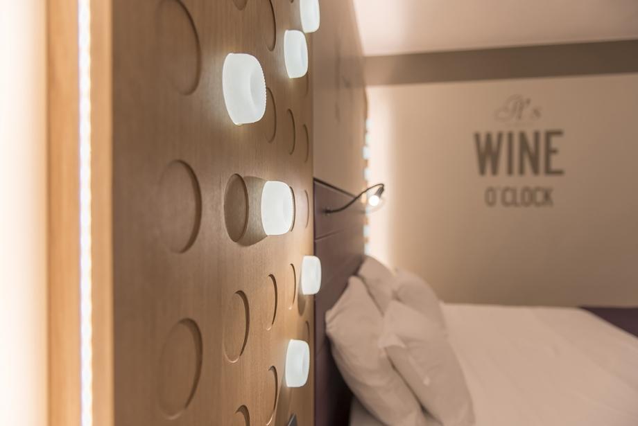 Dettagli di stile nelle camere Wine