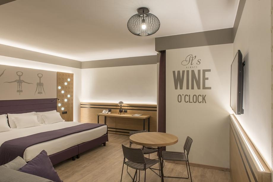 Design nelle camere wine del nostro hotel 3 stelle a San Bonifacio