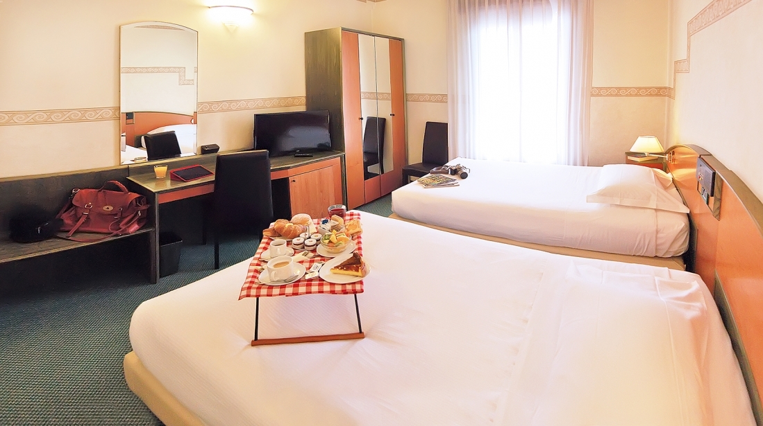 Book your convenient stay near Verona